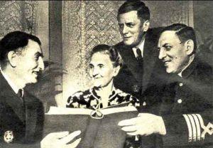 Дочь Ф. Гека Елена с сыновьями