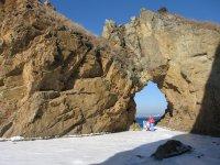 «Каменная арка» в бухте Лашкевича