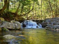 Место с волшебной аурой: Смольные водопады