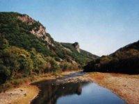 «Гранитные Щёки» реки Тигровой